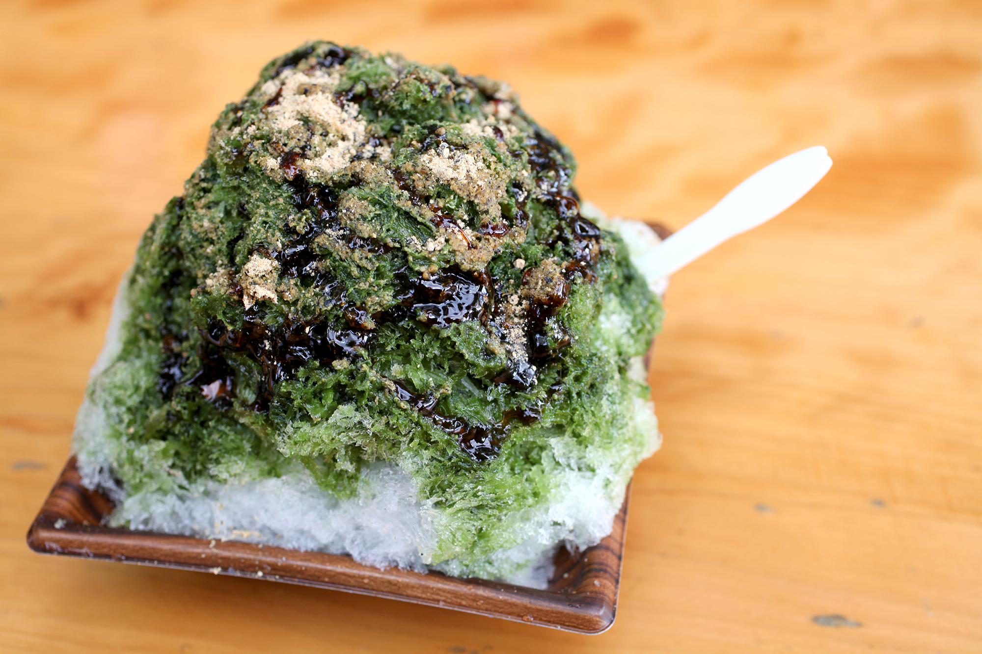 黒蜜きな粉川根茶かき氷