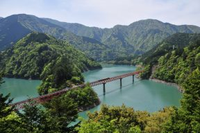 レトロ列車で行く、話題の絶景『奥大井湖上駅』(後編)