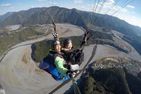 大井川で空中散歩!パラグライダー体験