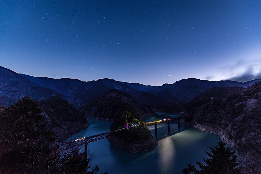 【予約不要!】星空列車に乗って秘境駅へ 奥大井湖上駅で星空観察